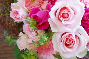 薔薇バラ特集 花瓶のいらない花束 デコールブーケ お取り寄せ 送料無料 フラワーギフト ネット通販花屋花樹有(かじゅある )