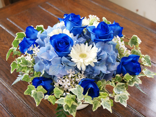 ブルーローズ 青薔薇のアレンジメント