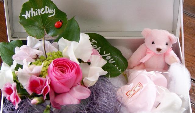ホワイトデー 花とスイーツギフト